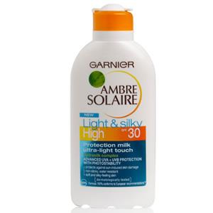 Garnier Ambre Solaire Light & Silky Milk SPF 30 200ml